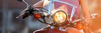 Seguro moto jóvenes